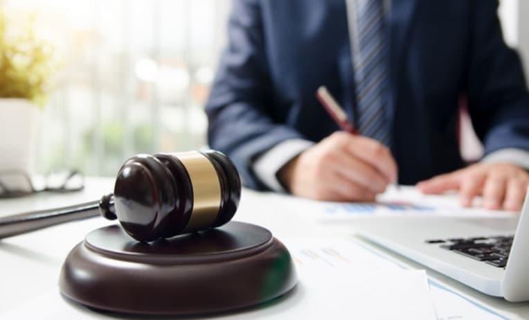 طريقة إجراءات توكيل محامي في الكويت